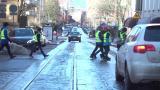 Liikenne koulun lähistöllä huolestuttaa oppilaita Helsingissä