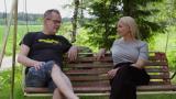 """Kari Hotakainen omistaa mökkipihansa Huvila & Huussi -muutoksen edesmenneelle ystävälleen: """"Hän on tämän paikan sielu"""""""